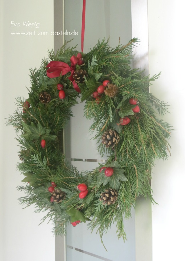weihnachtlicher-tuerkranz-3