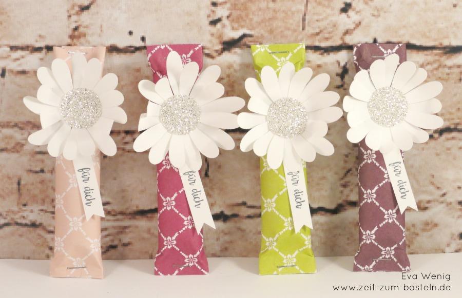 www.zeit-zum-basteln.de - Joghurette-Goodies, blumig verpackt (Stampin Up) - Gänseblümchenstanze