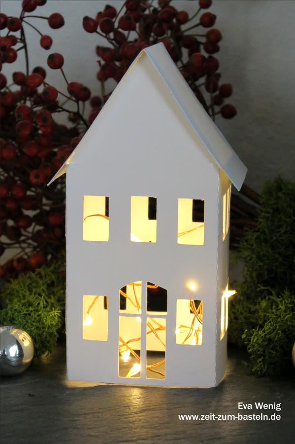 Freebie - süße Leuchtdeko - Häuser mit Vorlage als PDF oder free SVG - www.zeit-zum-basteln.de