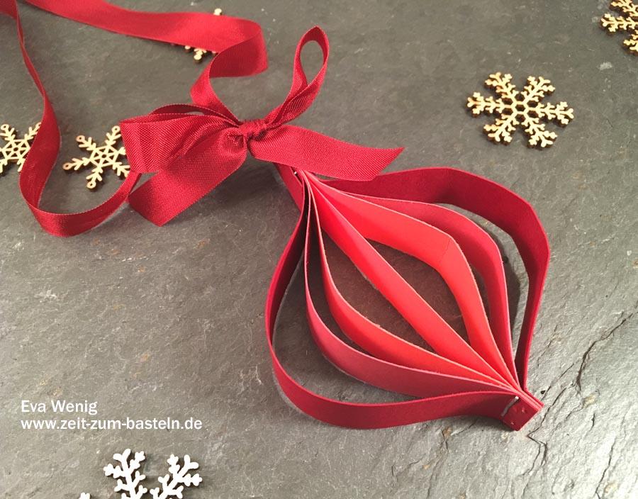 Schnelle Weihnachtsdeko aus Papierresten - Nutze übrige Papierstreifen für Christbaumkugeln - Stampin up - www.zeit-zum-basteln.de