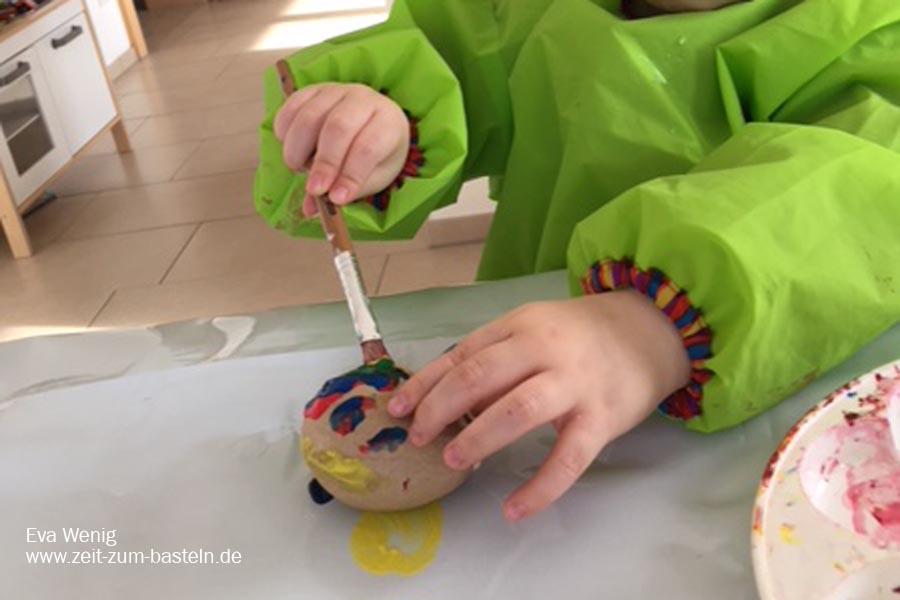 Osternbasteln mit meniem 2-jährigen Sohn - Mal Top, mal Flop - www.zeit-zum-basteln.de
