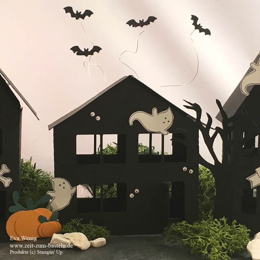 Halloween Geisterstadt - Ein Freebie für Dich zum Ausdrucken oder als Plotter Schnittdatei für Cameo & andere - www.zeit-zum-basteln.de