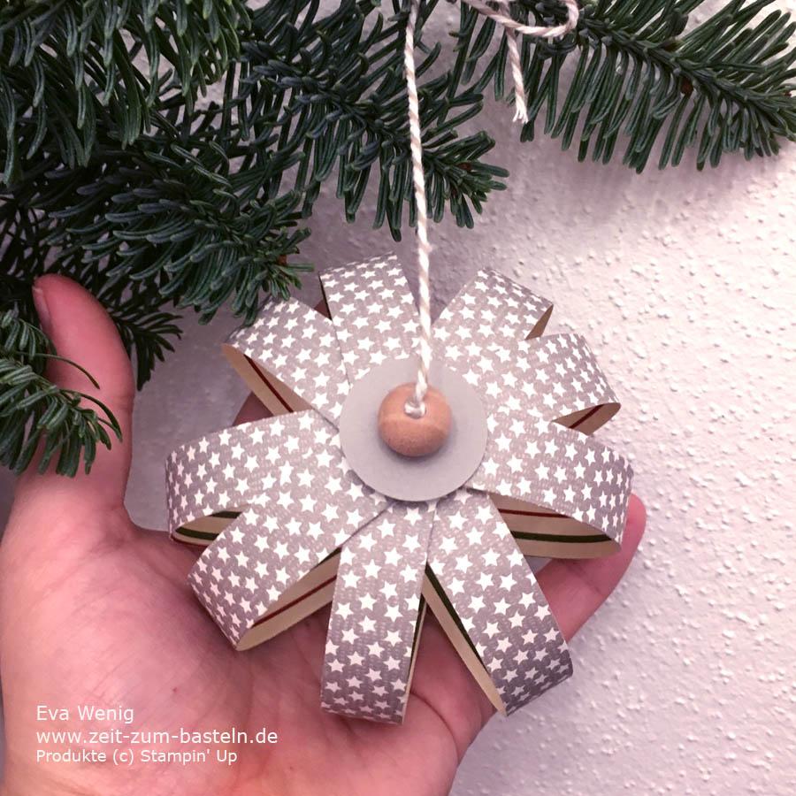 In meinem Video-Tutorial erkläre ich die Weihnachtskugeln aus Papierstreifen, eine prima Art der Resteverwertung - Stampin Up - www.zeit-zum-basteln.de